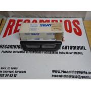 PILOTO MATRICULA SEAT 127 1º SERIE REF GEMO 20455