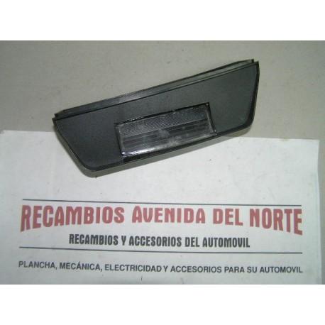 TULIPA LUZ MATRICULA IZQUIERDA SEAT 131 PANORAMA