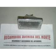 PILOTO DELANTERO DERECHO SEAT 1430 EN PLASTICO CON DEFECTO