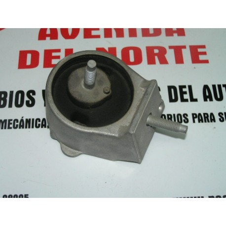 SOPORTE IZQUIERDO DE MOTOR RENAULT 21 TXE, DIESEL OEM 7700769719