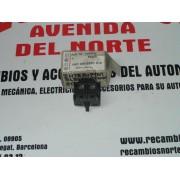 INTERRUPTOR ELEVADORES DELANTEROS VOLKSWAGEN GOLF-III REF. W-1HO959855