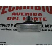PILOTO DELANTERO IZQUIERDO CROMADO BASE METALICA SEAT 124 1ª SERIE