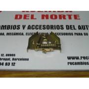 CERRADURA CAPO DELANTERO RENAULT 21 REF ORG, 7700767821