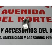 SOPORTE PUNTERA DE GOMA PARAGOLPES SEAT 131