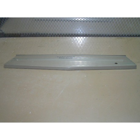 PROTECCION FRONTAL SUPERIOR SEAT 124