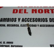 TORNILLO Y TUERCA REJILLA VENTILACION FORD MONDEO REF ORG. 6781549