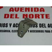 SOPORTE PILOTO MARCHA ATRAS SEAT 127 Y 127 (USADO)