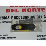 ANAGRAMA LATERAL DELANTERO DERECHO RENAULT CLIO 1.4 - RENAULT 7700804524