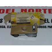 PILOTO LUZ INTERIOR DERECHO RENAULT 9-20-30-FUEGO Y ESPACE 1-2 REF ORG, 7701365622