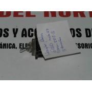 INTERRUPTOR DE LUCES SEAT 600 HASTA EL 67 TRES TERMINALES FEMSA 1P8-3