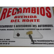 CRISTAL GIRATORIO BLANCO IZQUIERDO SEAT 850 4 PUERTAS