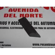 MOLDURA ALETA DELANTERA DERECHA RENAULT 18