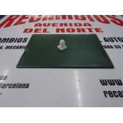 GRAPA MOLDURA SEAT 127 CL Y FURA